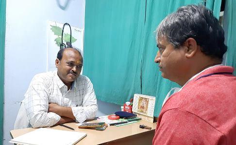 अगर आपको आयुर्वेद पर भरोसा, साथ ही विभिन्न बिमारियों से ग्रसित हैं तो उससे मुक्त होने के लिए वैद्य सुनील कुमार मिश्रा से सम्पर्क करें
